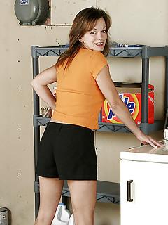 Moms Shorts Pics